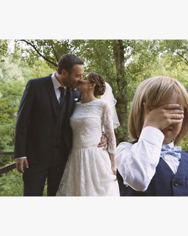wedding, matrimonio, intimate wedding, son wedding, son, blonde child, children, wood, swirly bokeh, bokeh, fotografo