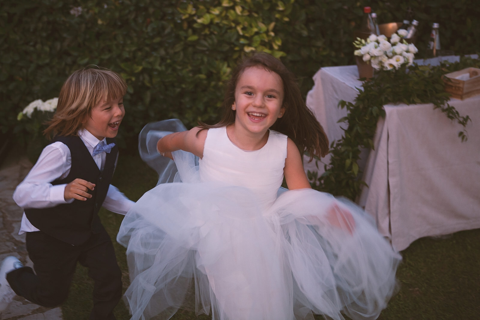 bambini gioco matrimonio stile