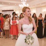 Lancio del bouquet da sposa: tra mito e tradizione. E oggi?
